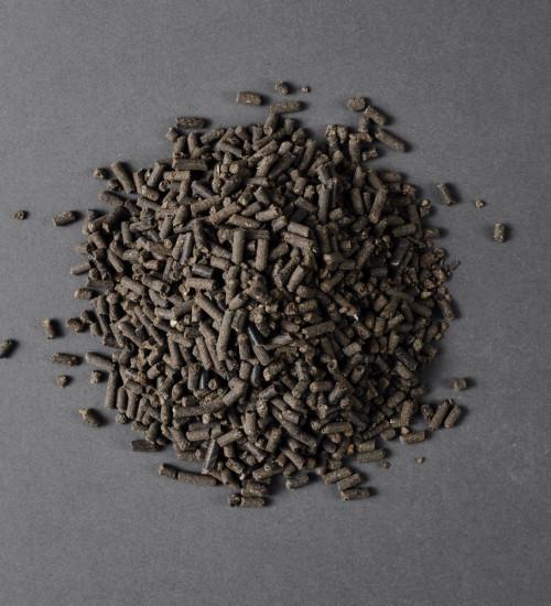 Organsikt hönsgödsel Allround hög med gödsel